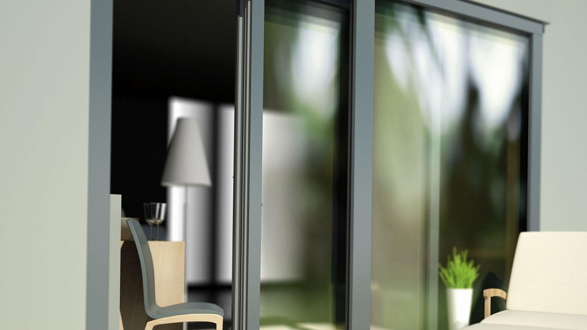 Doskonale czarne okna to najnowszy hit w stolarce okiennej. Proponowane przez MS więcej niż OKNA Alu Look w okleinie Jet Black matt CC+ doskonale wpisują się w ten trend, jednocześnie zapewniając ochronę przed ucieczką ciepła, izolację akustyczną i ochronę antywłamaniową. Fot. MS więcej niż OKNA