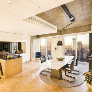 Złota 44  - wnętrze zaprojektowane przez Oskara Ziętę. Fot. Złota 44