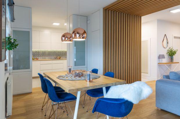 Jak stworzyć przestrzeń tylko dla nas, w naszym stylu i klimacie? Wie o tym najlepiej projektantka Zuzanna Kuc, która zaprojektowała przestrzeń o powierzchni 107 m² w jednej z warszawskich dzielnic.