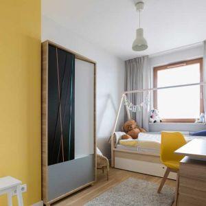 Pokój z żółtą ścianą. Projekt i zdjęcia: Małgorzata Górska-Niwińska z Pracowni Architektonicznej MGN