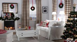 W galeriach handlowych królują już choinki, światełka i mikołaje.Jak stworzyć bożonarodzeniową atmosferę w domu? Pomogą w tym4 praktycznym porady.