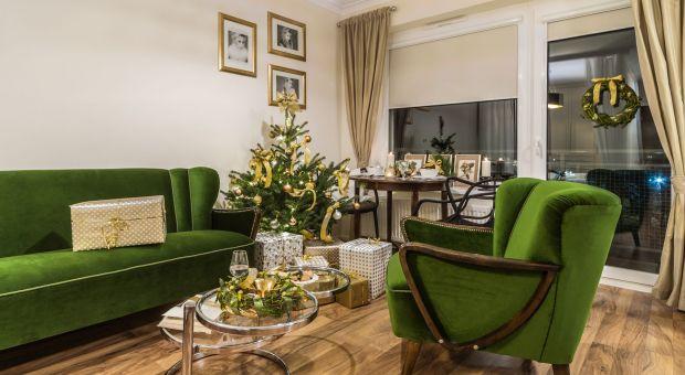 Udekoruj dom na Święta - piękne wnętrze w zieleni i złocie