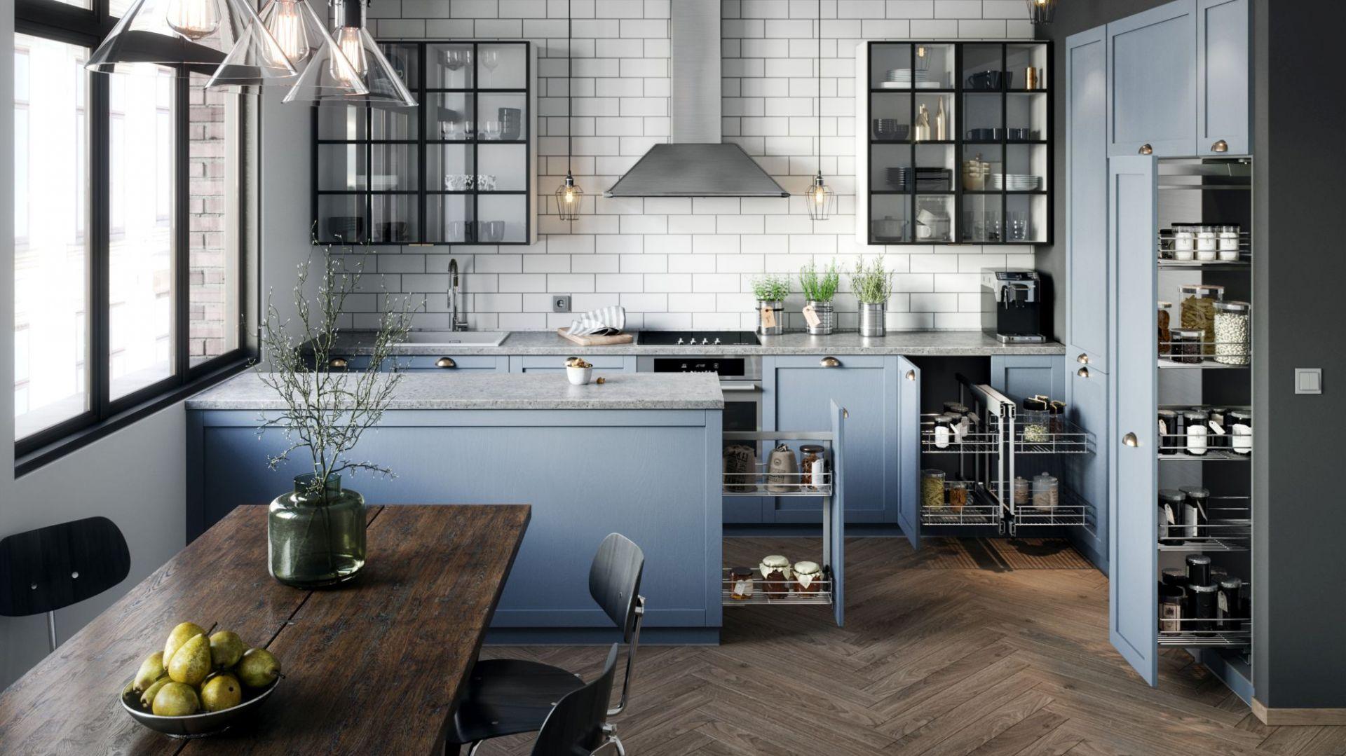 Carga Maxito propozycja do szafek wysokich i recepta na stworzenie pojemnej spiżarni nawet w stosunkowo niewielkiej kuchni. Fot. Rejs
