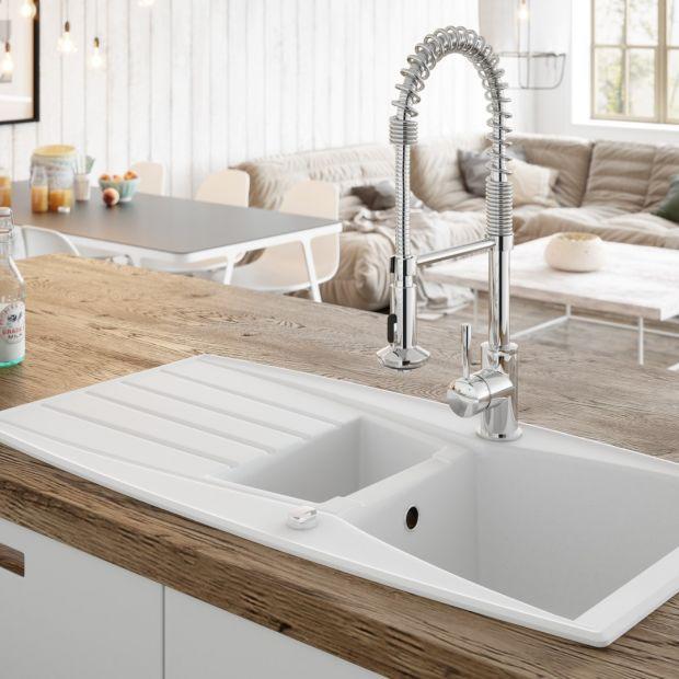 Stefa zmywania w kuchni - wybieramy wyposażenie