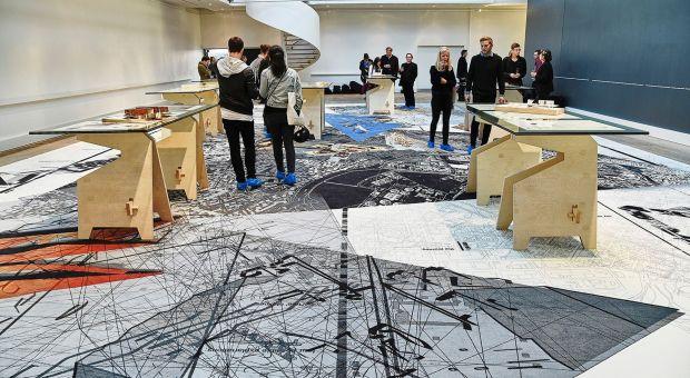 Nowoczesne wykładziny towarzyszą wystawom sztuki współczesnej