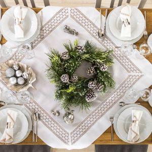 Stół na święta. Fot. Agata SA