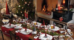 Podczas Świąt to stół jest najważniejszym meblem w domu. Warto dać wyraz swojej kreatywności przy jego przyozdabianiu, ponieważ na pewno zostanie to zauważone i docenione przez naszych bliskich.