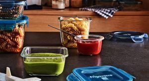 Gdy po domowym przyjęciu zostaje nam sporo przekąsek, sałatek, pieczeni czy wypieków – skorzystajmy z prostych sposobów, które pozwolą uniknąć wyrzucania żywności.