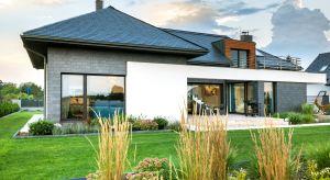 Okna energooszczędne pozwalają zminimalizować straty ciepła, co przekłada się na zmniejszenie zużycia energii potrzebnej do ogrzewania domu lub mieszkania. Podpowiadamy, czym kierować się przy ich zakupie.