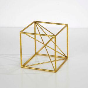 Dekoracja w kolorze złota thai natura geometric; cena: 144 zł. Fot. Bonami.pl