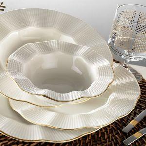 Komplet naczyń porcelanowych 24 częściowy kutahya waves; cena: 384 zł. Fot. Bonami.pl