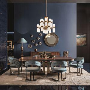 Eleganckie bryły, luksusowe tkaniny, egzotyczne drewno, ręczne wykończenia – to one najlepiej oddają ducha marki. Fot. Archidzieło/SmaniaSalone