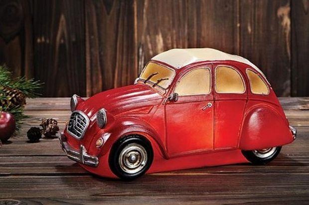 Lampy w kształcie starych samochodów - zobacz wyjątkową kolekcję
