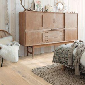 Podłoga drewniana z kolekcji Palazzo, wzór biały dąb owsiany, wykończenie olejowane, deska 182 x19 cm, grubość 14 mm. Fot. Quick-Step