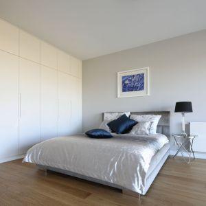 Nowoczesne mieszkanie urządzony w nowojorskim stylu,  z nutą glamour. Projekt: Katarzyna Mikulska-Sękalska. Fot. Bartosz Jarosz