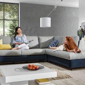 Elegancki i wygodny narożnik Cali z funkcją spania i pojemnikiem na pościel pozwala szybko zmienić salon w sypialnię, bawialnię dla dzieci czy miejsce relaksu. Fot. Wajnert Meble