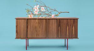 W ciągu ostatnich lat we współczesnej kulturze coraz popularniejsze stają się inspiracje Japonią. Również w projektowaniu mebli, oświetlenia czy dodatków. Dlaczego jednak to akurat kraj Kwitnącej Wiśni okazał się tak interesujący?