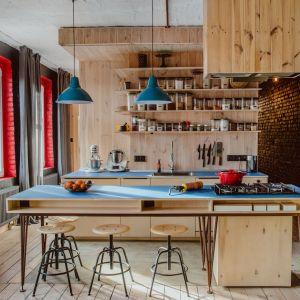 Cegła, sosna i węgiel - zobacz klimatyczne mieszkanie na Nikiszowcu