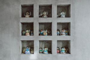 Mieszkanie położone na osiedlu Nikiszowiec w Katowicach ma swój klimat i niepowtarzalny urok. Projektanci: Przemysław Nowak, Lech Moczulski (Mili Młodzi Ludzie). Zdjęcia: Janina Tyńska