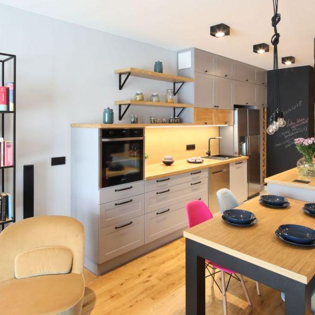 Aranżacja kuchni - 12 pomysłów na drewniany blat