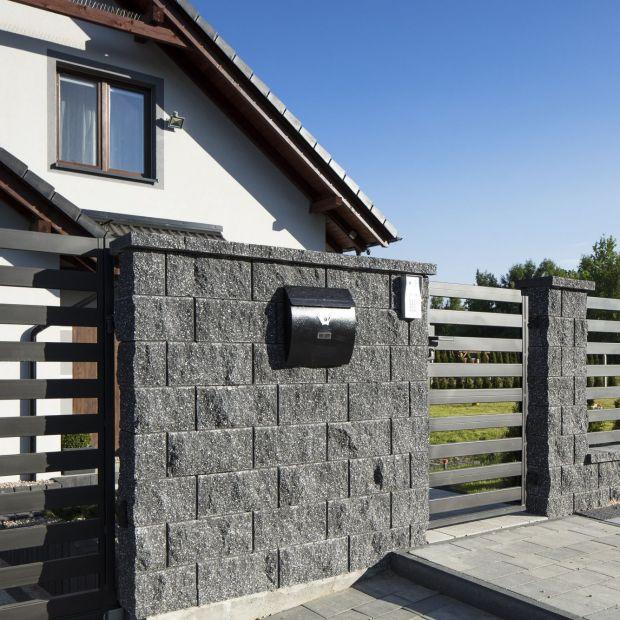 Ogrodzenie murowane - eksperci radzą, jak je wykonać