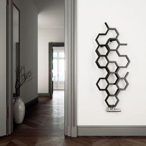 Grzejnik Hex o ciekawaj formie stworzonej z sześciokątów. Fot. Terma
