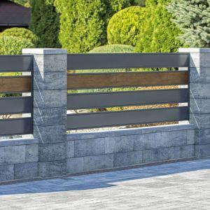 Bloczki betonowe z powodzeniem mogą naśladować naturalny kamień. Fot. Joniec