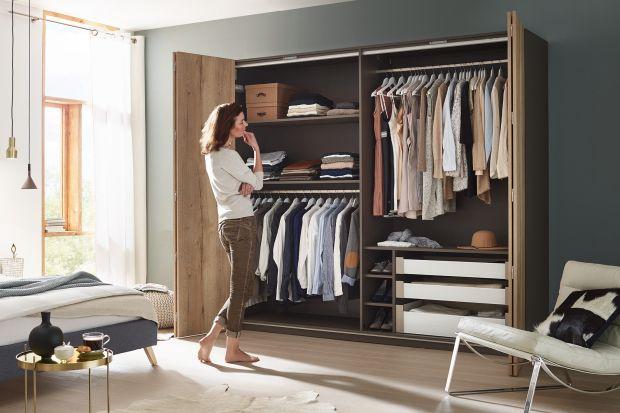10 pomysłów na garderobę w sypialni