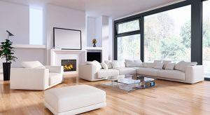 W dobie coraz szczelniejszych okien wietrzenie pomieszczeń zimą jest koniecznością. Regularna wymiana powietrza zapobiega gromadzeniu się wilgoci, usuwa zapach i szkodliwe dla zdrowia zanieczyszczenia.