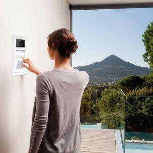 Bezpieczeństwo w inteligentnym domu. Fot. ABB