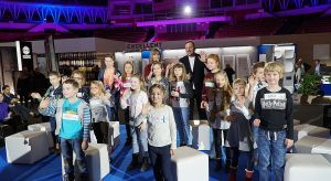 Niedzielne popołudnie w trakcie tegorocznych 4 Design Days należało do młodych, a nawet bardzo młodych znawców designu i architektury. W niezwykłej dyskusji na scenie katowickiego Spodka wzięło udział szesnaścioro dzieci w wieku od 6 do 12 lat!