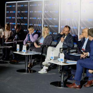 4 Design Days: Dom idealny: Paneliści i Moderator. Fot. PTWP
