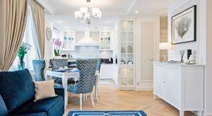 To 55 metrowe mieszkanie przeznaczone na krótkoterminowy wynajem cenione jest za komfort i estetykę, ale również za świetną lokalizację w centrum Częstochowy. Apartament Royal powstał w wyniku przebudowy. Właściciel oczekiwał stworzenia wnętr
