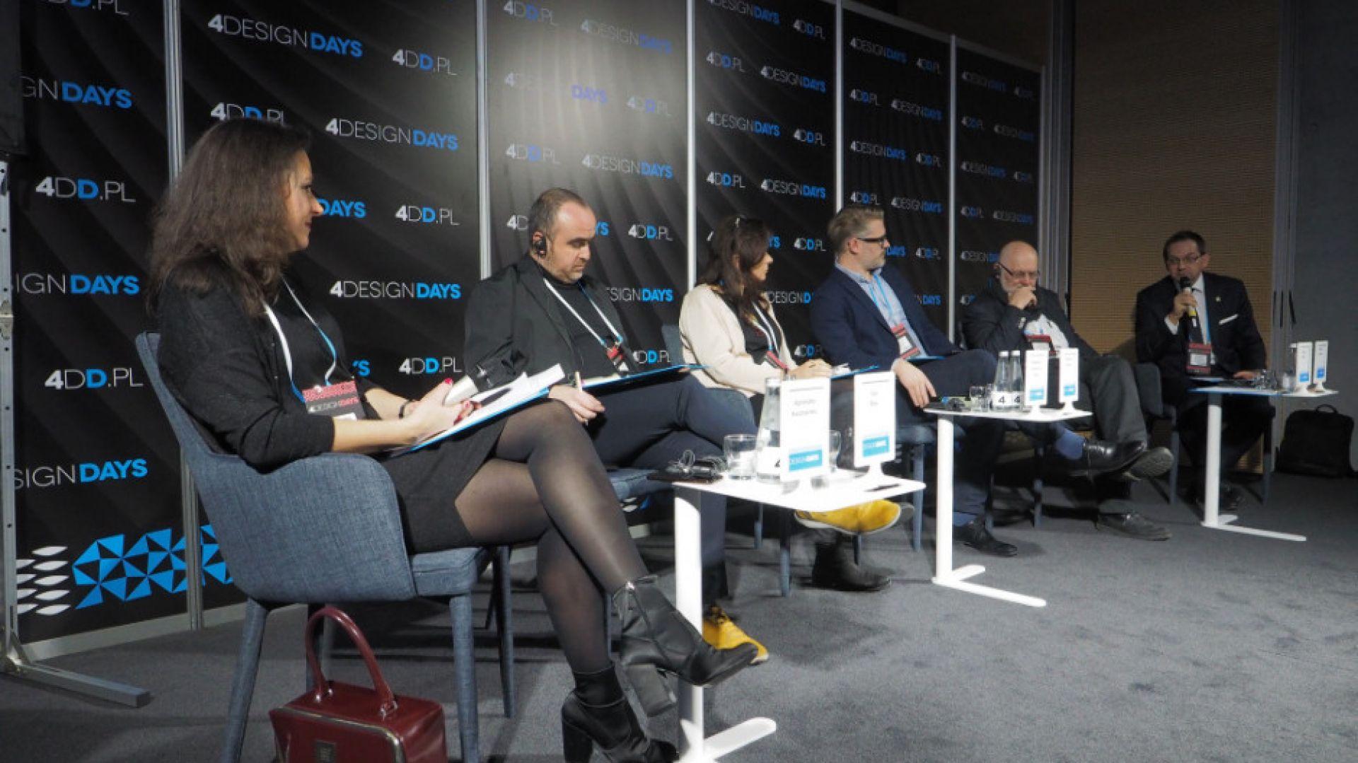 4 Design Days: Konkursy architektoniczne – jak spełniają swoją rolę? Paneliści i Moderatorka. Fot. PTWP