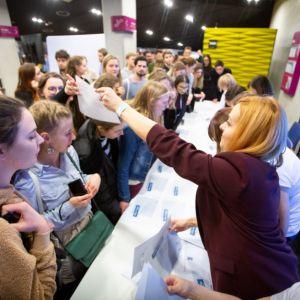 Tegoroczna edycja przyniosła sukces po raz kolejny, a konkurs zgromadził prawie 160 młodych projektantów i architektów. Fot. Roca Polska, Krzysztof Makuszyński