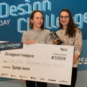 Najlepszym wśród przedłożonych okazał się projekt MOBIEGG Wioletty Petyni i Aryny Mukha z SOHO design. Fot. Roca Polska, Krzysztof Matuszyński