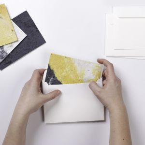 Pocztówki-sadzonki. Projekt: Olga Zelenska, absolwentka specjalności domestic design, School of Form Uniwersytetu SWPS