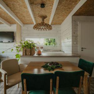 Ogrodowy dom inspirowany dzieciństwem. Projekt: Monika Buśko-Kuś. Fot Jakub Jakubicki