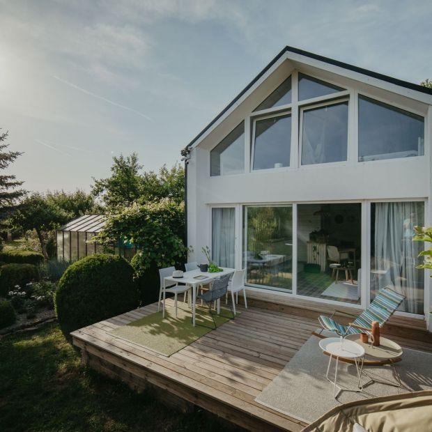 Letni dom inspirowany dzieciństwem - ten projekt Cię zachwyci