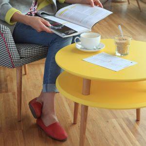 Meble do salonu: stolik kawowy UFO żółty. Fot. Ragaba