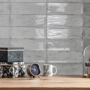 Płytki ceramiczne: trendy na 2019 rok prosto z hiszpańskich targów Cevisama w Walencji. Producent: Fabresa, kolekcja: Arles. Fot. Fabresa