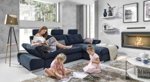 Nowe modele sof mogą zainspirować do stworzenia w salonie idealnej strefy wypoczynku.