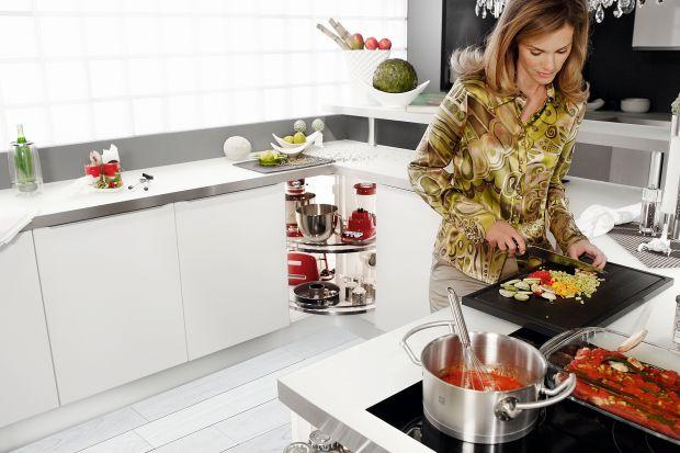Przechowywanie w kuchni: 15 pomysłów na szafki narożne