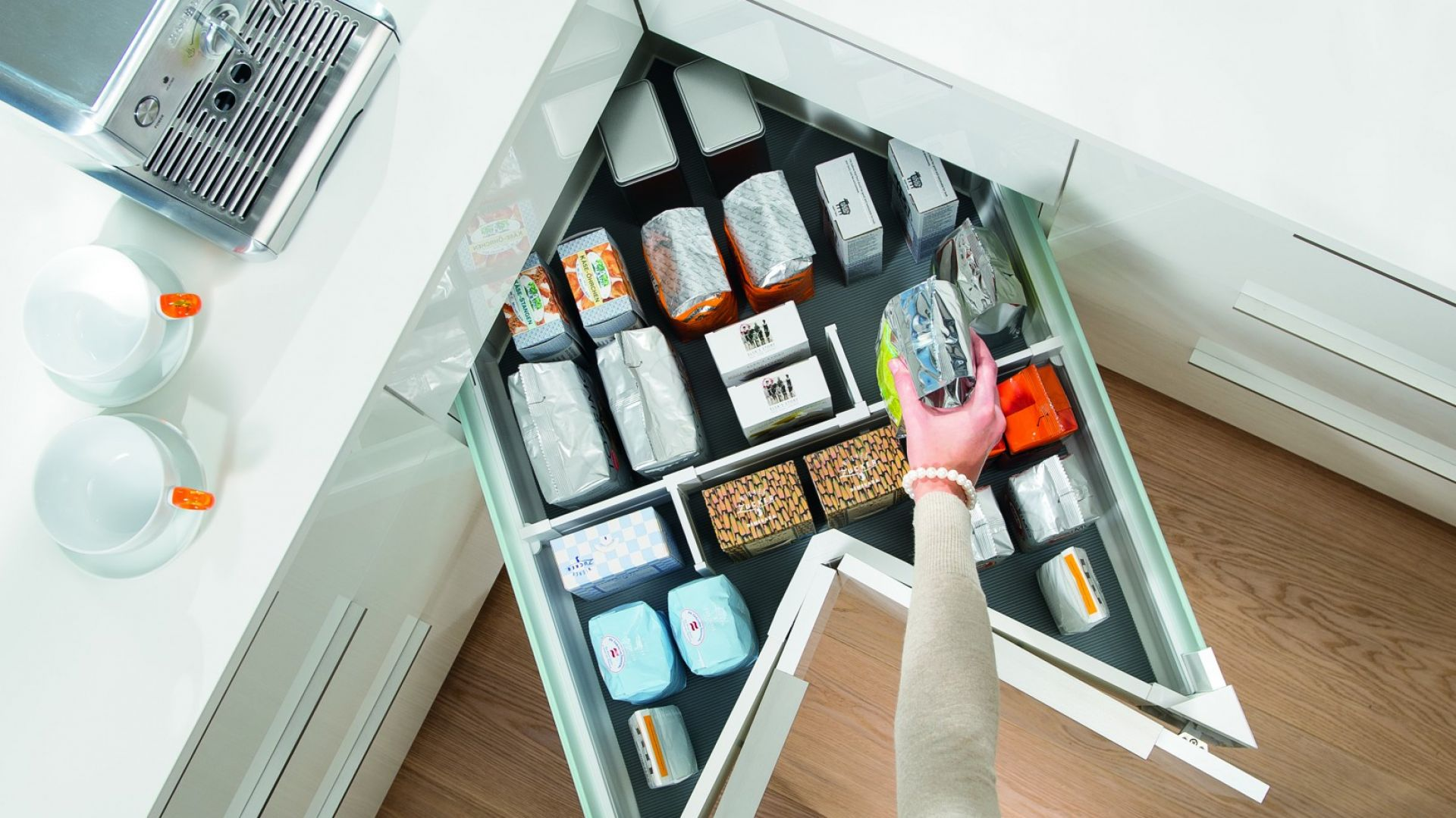 Przechowywanie W Kuchni 15 Pomysłów Na Szafki Narożne