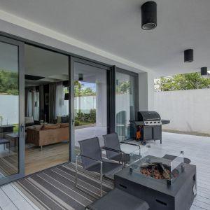 Modne okna - nowoczesny design w parze z dobrymi parametrami. Fot. MS więcej niż OKNA