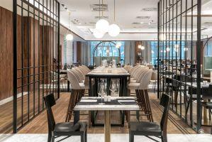 Wnętrze hotelu Metropolo w Krakowie zaskakuje wyrafinowaną elegancją i harmonijnym połączeniem chińskiego art deco z europejskim designem. Projekt: Tremend. Fot. Tom Kurek