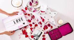 Opadające confetti i cichnący dźwięk strzelających korków od szampana to sygnał, aby rozpocząć przygotowania do kolejnego, bliskiego naszemu serca święta – Walentynek!