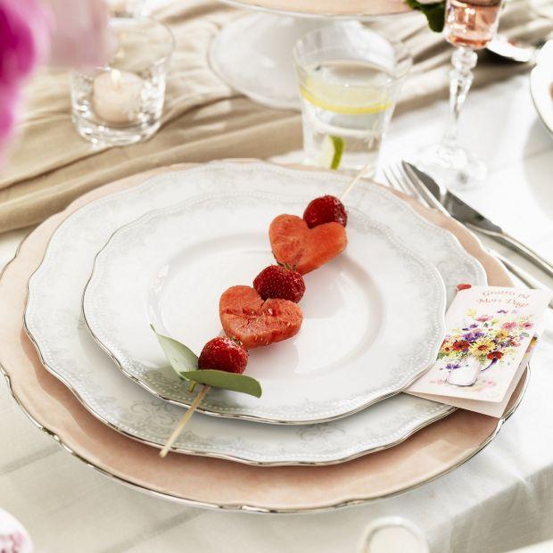 Walentynki na słodko - podaj deser na pięknej porcelanie