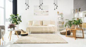 Drewno i metal to mariaż wyjątkowy udany. Ciepły, przytulny charakter drewna idealnie równoważy surowość metalu, całości nadając elegancji, stylu i smaku. Jeśli lubisz udane połączenia - postaw na to właśnie!