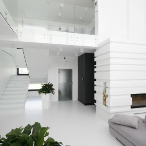 Dwupoziomowy apartament z antresolą. Projekt: Maria Biegańska, Ewelina Pik. Fot. Bartosz Jarosz